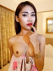 24 year old skinny Thai gets fucked and sucks tourists cock